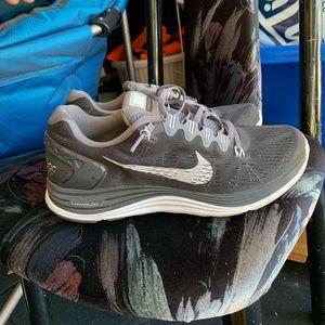 Nike Shoes - NIKE LUNARGLIDES 5